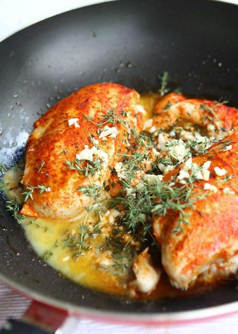 Paprika__Spinach_Chicken_in_White_Wine_Herb_Butter_Sauce_6.jpg
